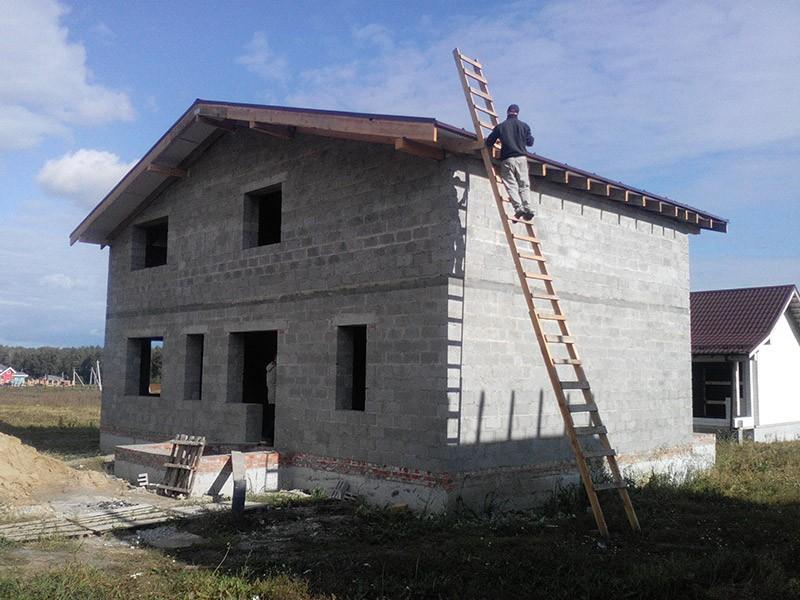 дом из блоков в Альпийской долине