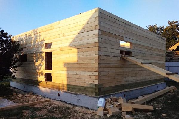 строим дома из обрезного бруса в тюмени зимой