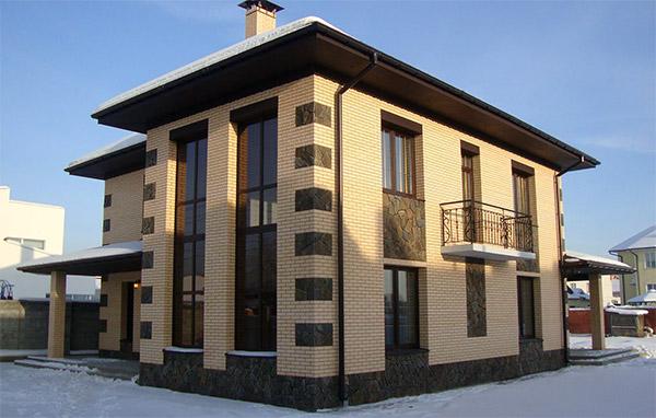 строительство дома из блоков с облицовкой кирпичом