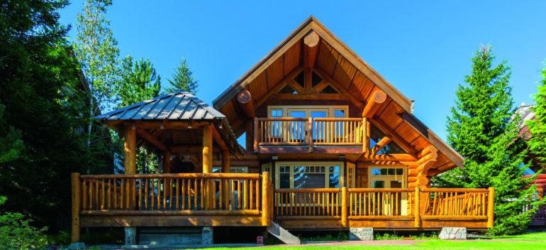 Что лучше – деревянный профилированный или каркасный дом?