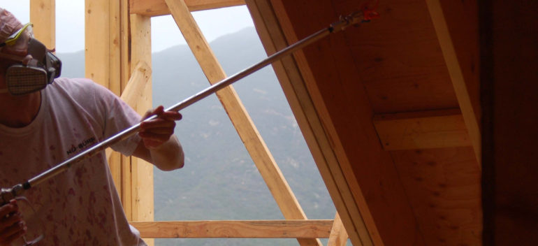Огнебиозащита: надежный и практичный способ продлить жизнь деревянного дома